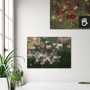 wnętrze z obrazami na płótnie z przedstawieniem łąki z makami oraz z majowym ogrodem różanym