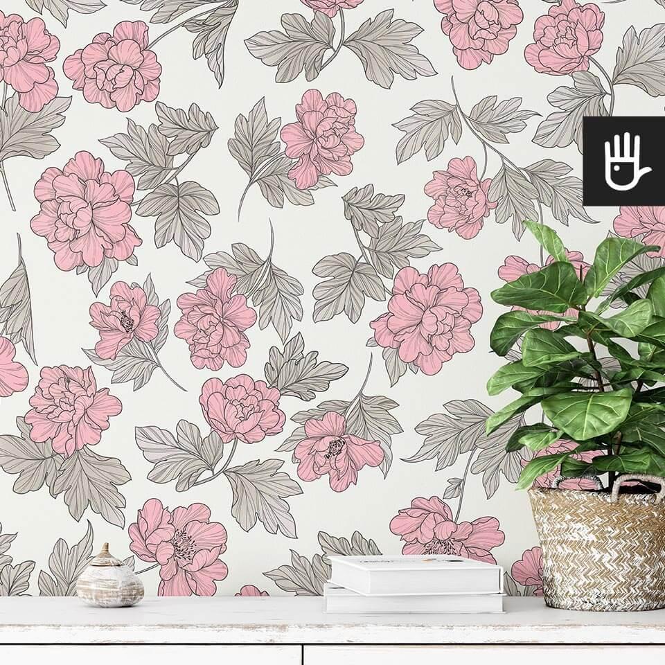 detal we wnętrzu tapety piwonie w stylu romantycznym w różowe kwiaty na kremowym tle