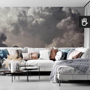 wnętrze salonu w stylu boho z kanapą z kolorowymi poduszkami na tle tapety ściennej z chmurami Fototapeta Kłębiaste chmury