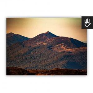 Plakat Połonina Wetlińska ze wzgórzami w złotej poświacie