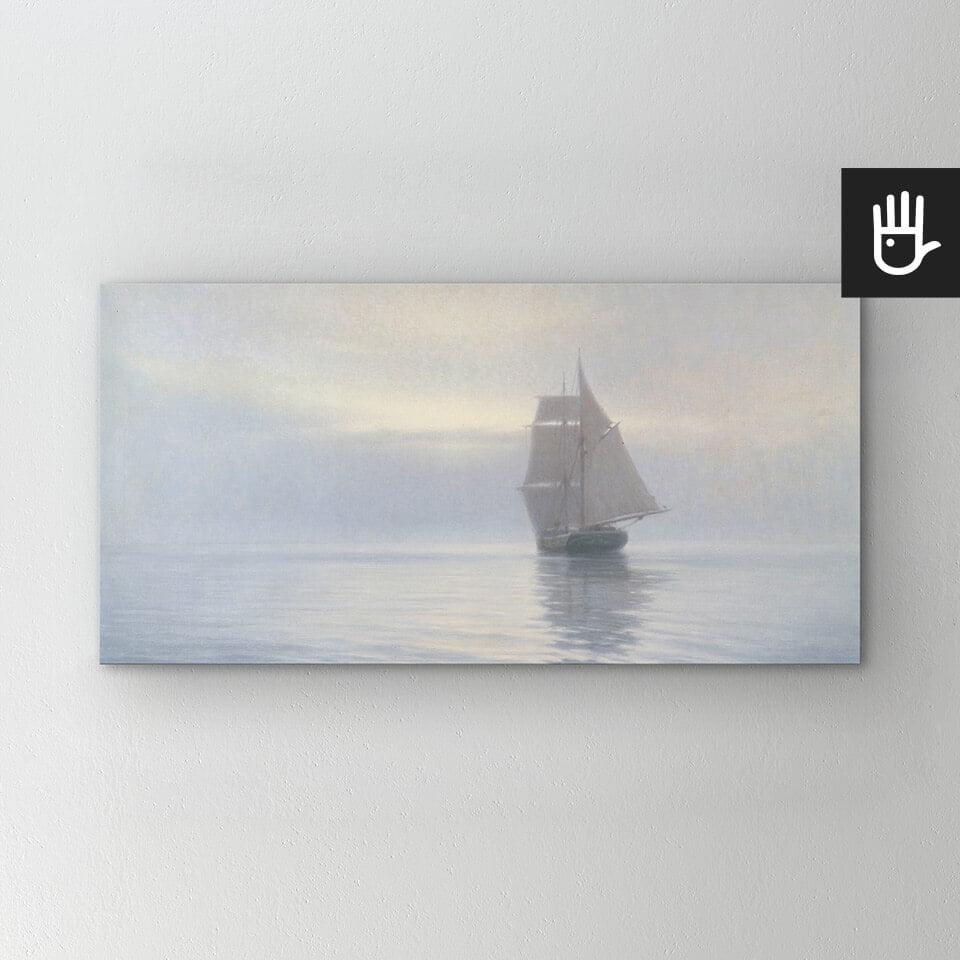 Obraz Spokojna symfonia szarości drukowany na płótnie z żaglowcem na morzu